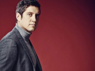 Vernon Kay appearing at VOW Green Light event